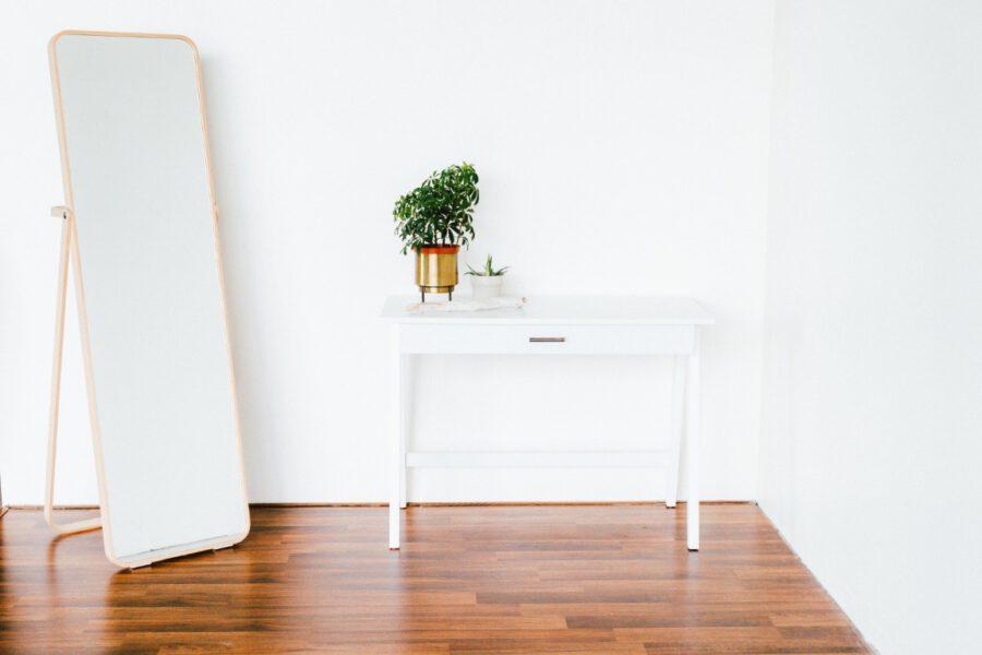 Podłogi drewniane – jakie są zalety posadzki z drewna?