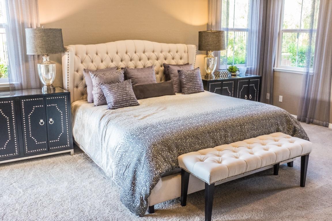 Urządzamy sypialnię w stylu francuskim